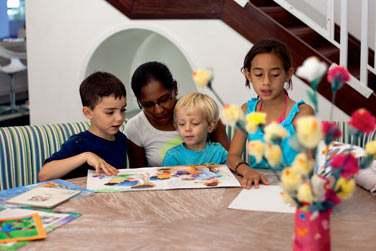 L'Angels Club accueille les enfants de 4 à 11 ans et propose de nombreuses activités éducatives et ludiques
