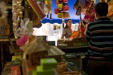 Promenez-vous au coeur des marchés colorés de l'île