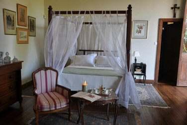 La Demeure Saint Antoine possède 4 chambres décorées dans un style d'époque