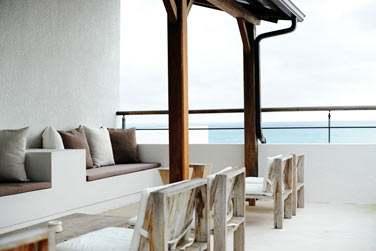 Profitez des espaces de détente pour siroter un cocktail ou profiter des couchers de soleil