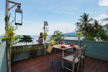 La terrasse sur le toit de la Villa Puri Dadap Merah