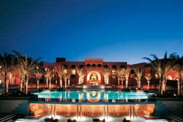 Le soir venu, l'hôtel s'illumine... Un cadre très romantique
