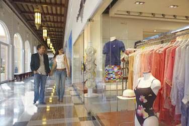 Les boutiques du souk Al Mazaar, partie intégrante du resort