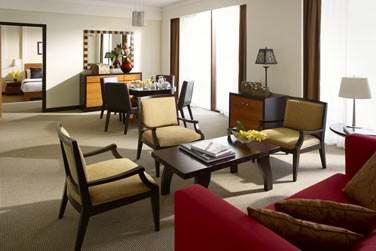 La Suite spéciale de l'hôtel Al Waha, spacieuse avec sa salle de séjour