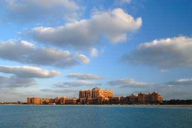 Ce somptueux palace est le symbole de la grandeur et de la démesure des Emirats...