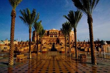 Hôtel de luxe emblématique d'Abu Dhabi