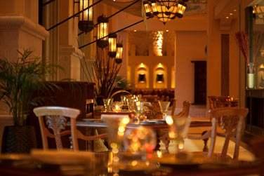 Le Mezlai est le premier restaurant des Emirats à proposer une cuisine Emirati rehaussée des touches du Moyen-Orient