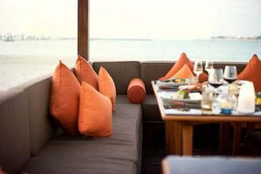 Le cadre du restaurant BBQ Al Qasr est sublime : vous êtes sur la plage, face à la mer...