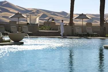 Plongez au coeur de la piscine pour vous rafraîchir... En plein désert !