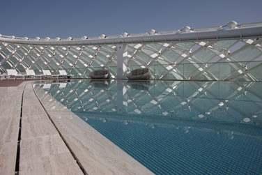 L'hôtel possède une piscine sur son toit !