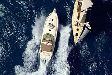 Yas Marina abrite une très belle marina qui accueille des bateaux et yachts du monde entier