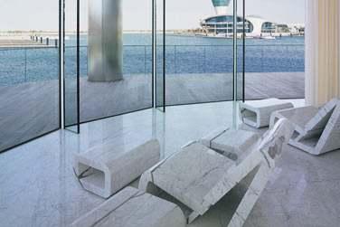 Dans les espaces de relaxation du spa, profitez du calme... Et de la vue !