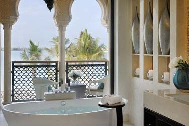 Salle de bain de la 2e chambre de la Villa Palm Beach, à l'étage