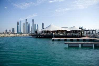 Le restaurant en vogue à Dubaï ! Rendez-vous au 101, en bordure de la marina privé de l'hôtel.
