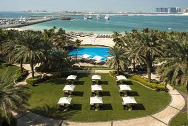 Bienvenue à l'hôtel Le Méridien Mina Seyahi Beach Resort & Marina