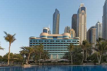 Entre paysage urbain et plage de sable blanc, Le Méridien est une adresse de choix à Dubaï