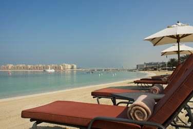Depuis votre transat à quelques pas de la mer, découvrez ces paysages de Dubaï, si étonnants...