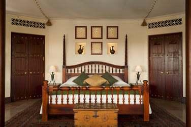 Le magnifique lit réalisé sur mesure de la Suite Bédouin