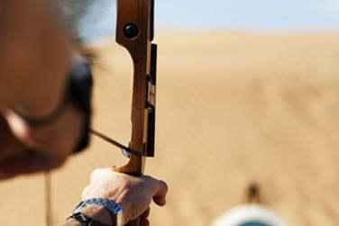 Initiez-vous au tir à l'arc, activité très pratiquée par les bédouins