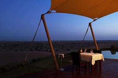 Ou laissez-vous tenter par un dîner sur la terrasse de votre Suite pour un tête à tête en amoureux