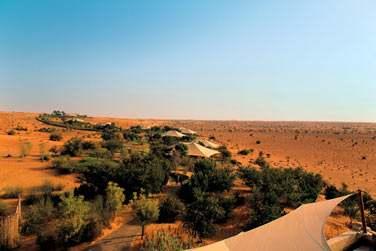 Au coeur d'une réserve naturelle, la Dubaï Desert Reserve qui abrite de nombreuses espèces animales et végétales