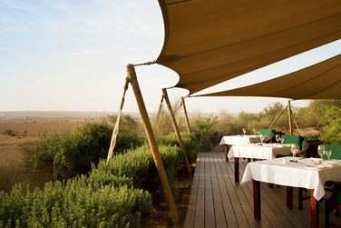 La terrasse du restaurant Al Diwaan pour prendre vos repas dans un cadre d'exception