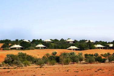 Les 42 luxueuses et spacieuses suites sont réparties au coeur des dunes et de la végétation
