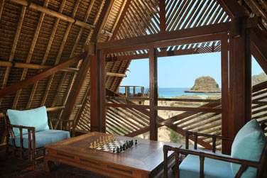 Ils disposent également d'un espace de détente d'où vous pourrez admirer la vue sur la mer