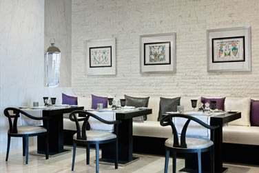 Le restaurant Corniche All Day Dining est ouvert tout au long de la journée