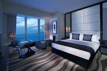 La chambre Luxe offrant une vue imprenable sur la mer