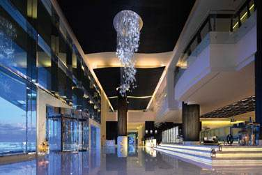 Le Lobby de l'hôtel est immense !