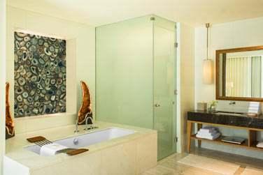 Salle de bain d'une Suite Spa