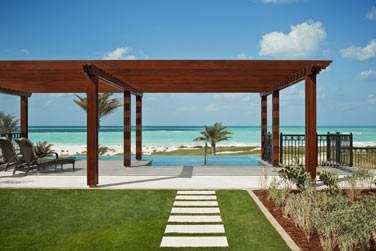 Terrasse avec piscine de la Suite Majestic