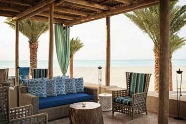 Le restaurant de plage Turquoiz, vous l'avez deviné, sert des fruits de mer et poissons fraîchement pêchés