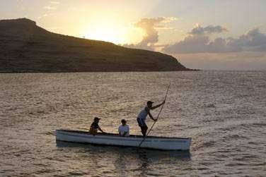 Les paysages de Rodrigues sont superbes... Vous apercevrez de temps à autre ces petites barques de pêcheurs