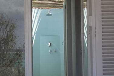En suite Lagon comme en Suite famille vous bénéficiez d'une douche extérieure