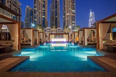 A proximité immédiate, le Dubaï Mall et la Burj Khalifa, la tour la plus haute du monde.