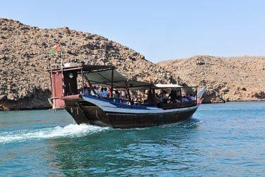 A Sur, prenez le temps de visiter la fabrique de dhows, embarcations traditionelles