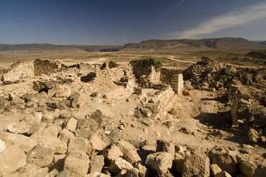 Des paysages luxuriants au panoramas plus arides. Ici, les ruines d'Al Balid