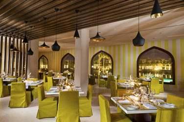 Le restaurant principal de l'hôtel, Al Fanar pour déguster une cuisine internationale et régionale