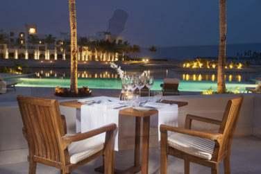 Pour un dîner face à la mer et aux lumières de la marina, rendez-vous au restaurant de fruits de mer