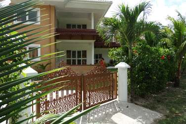 Cette petite résidence récente abrite 8 appartements de 1 à 2 chambres