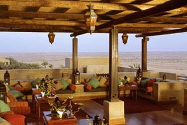 Al Sarab Rooftop Lounge... Offrant une vue panoramique sur les dunes !