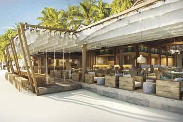 Rendez-vous sur la plage pour un déjeuner léger au restaurant de plage ou au bar !
