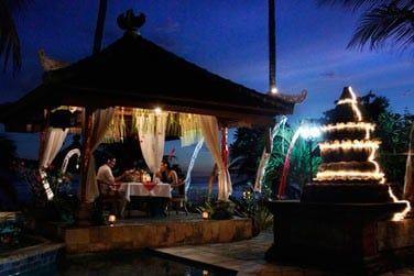 L'hôtel peut également organiser des dîners romantiques pour une soirée en amoureux en toute intimité