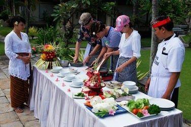 Si vous êtes fin gourmet et amateur de cuisine exotique, choisissez un cours de cuisine !