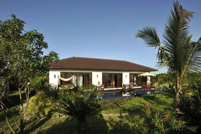 villa jardin frangipani avec piscine