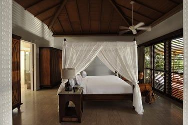La chambre, confortable et sophistiquée