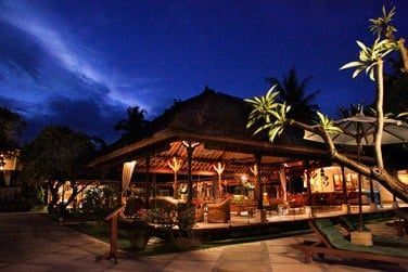 Le restaurant Saraswati proposant une cuisine internationale et indonésienne..