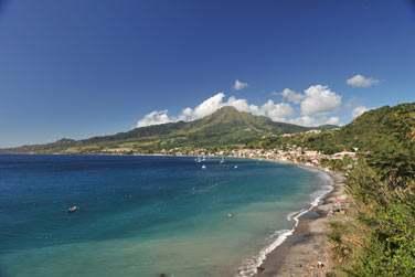 Cette superbe île antillaise vous séduira par ses merveilles naturelles et ses très belles plages de sable blanc...